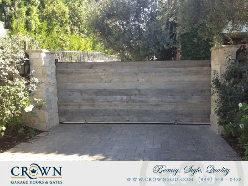 Motor Court Gate 13 & Crown Doors and Gates | Garage Doors and Gates pezcame.com